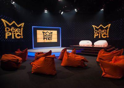 Televizní studio pořadu Dějepic